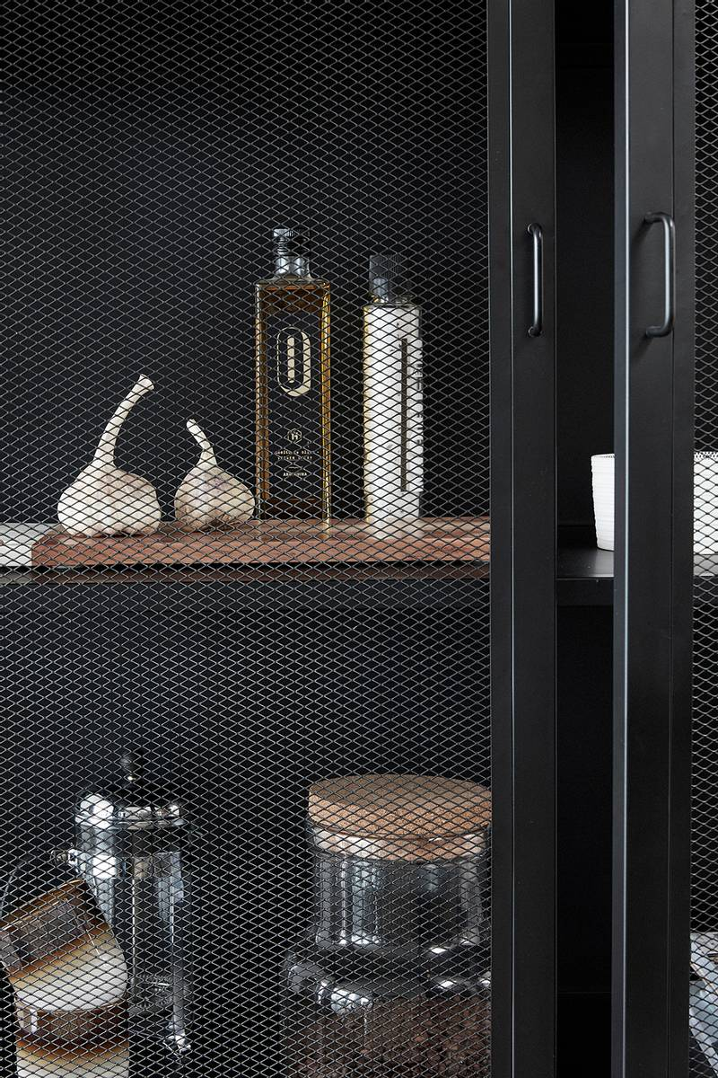 Kabinett i sort metall - Hübsch